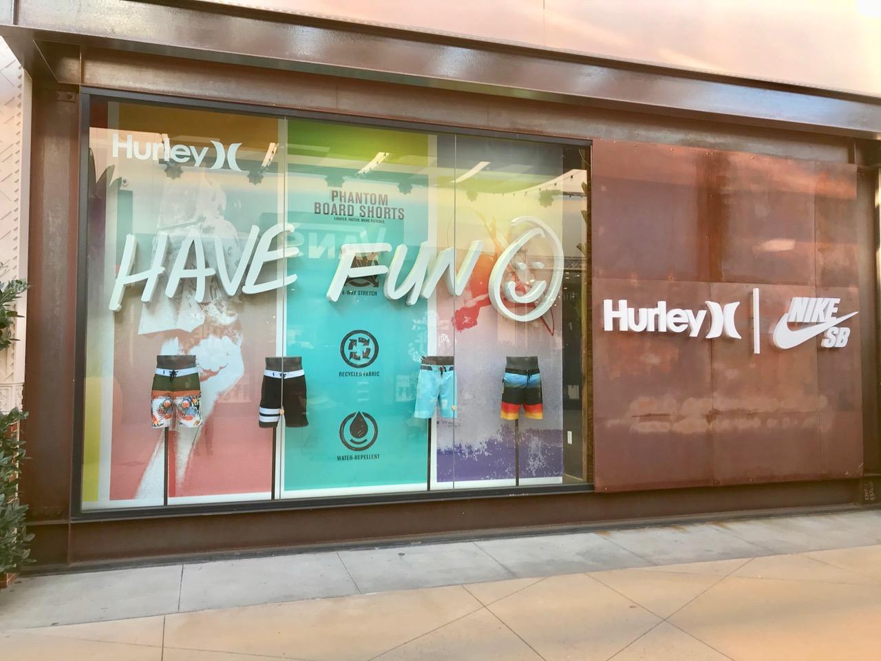 holiday19 hurleyStore 3