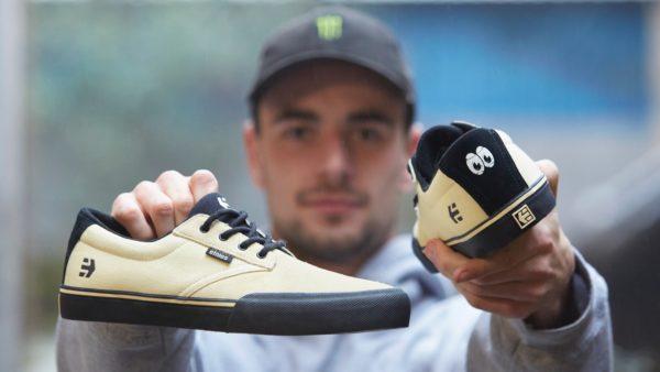 Godwin Holding Shoes